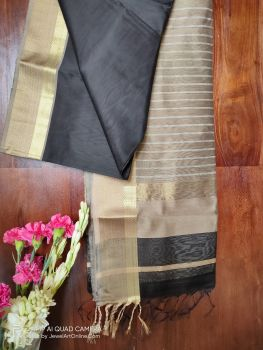 Beige and Black Maheshwari Handloom Silk Cotton Saree